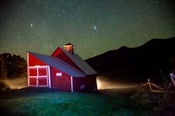 Razek_Barn at night-8216